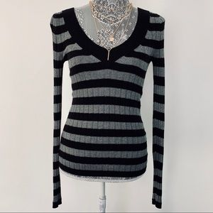 EXPRESS Stripped V-neck Long Sleeve Sweater Top